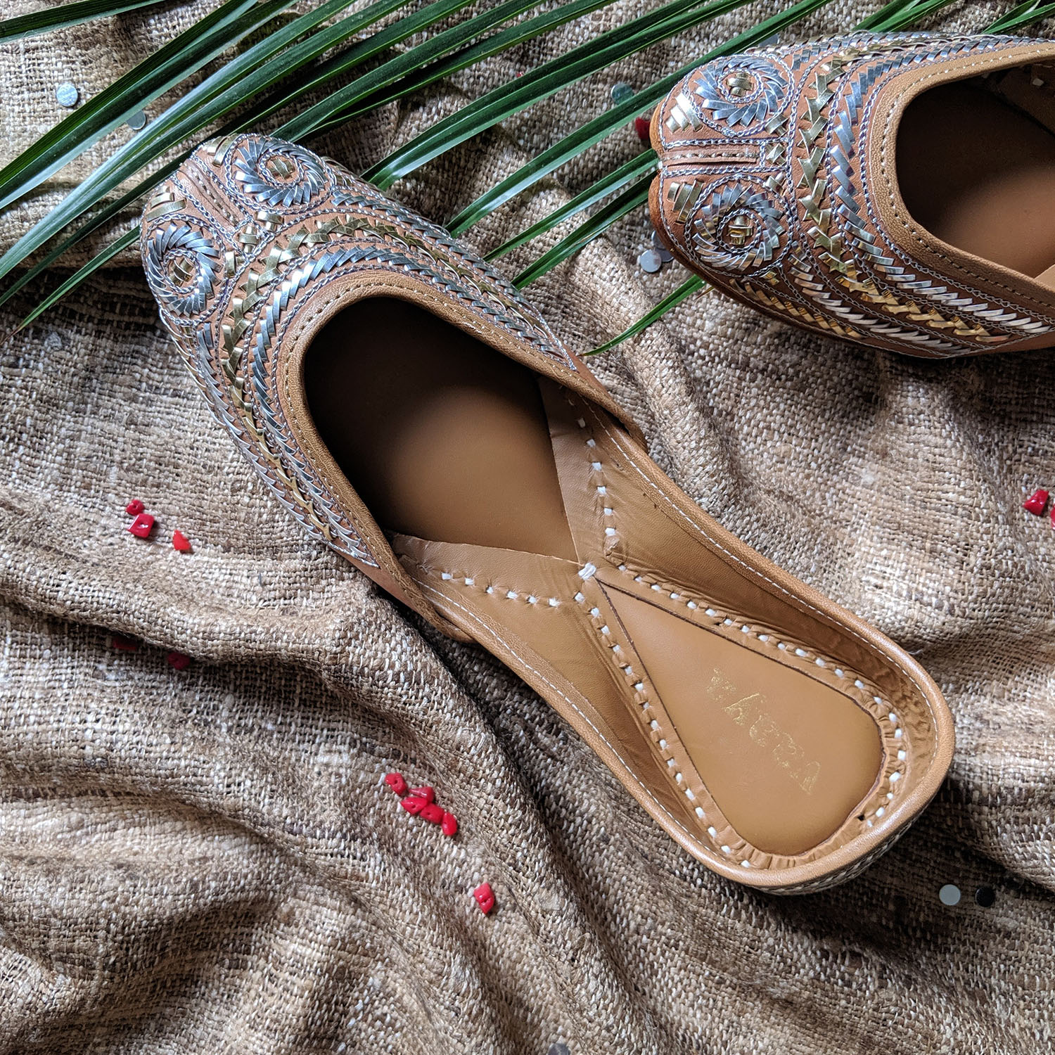 The Chandra Silver & Gold Taar Jutti