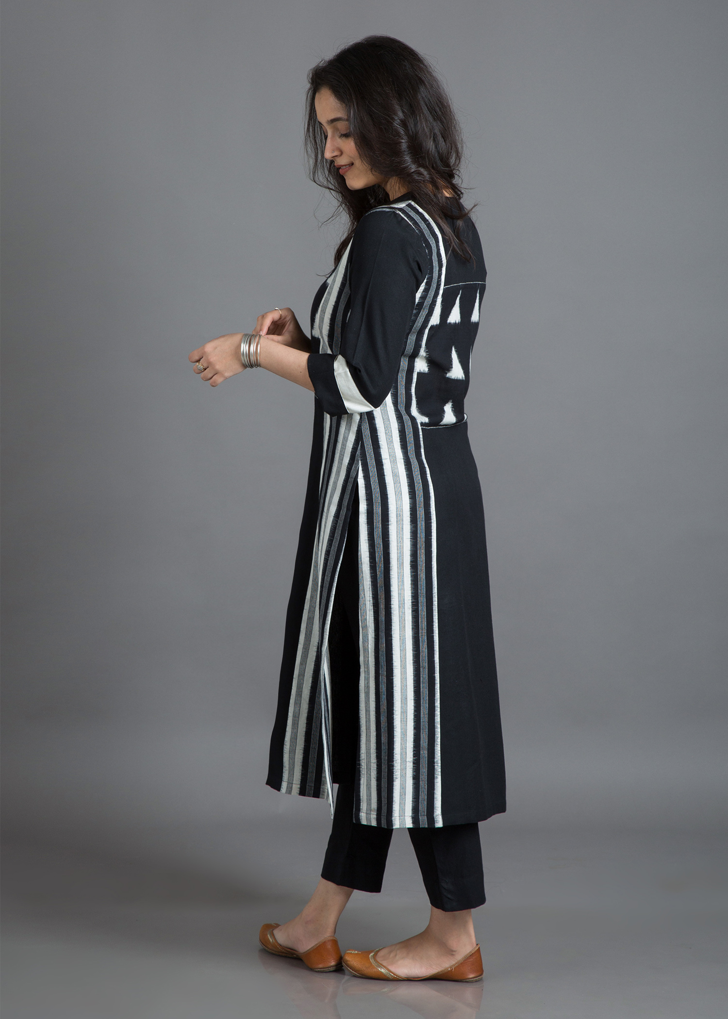 catalog/Winter 2018/BW kurta 3.jpg