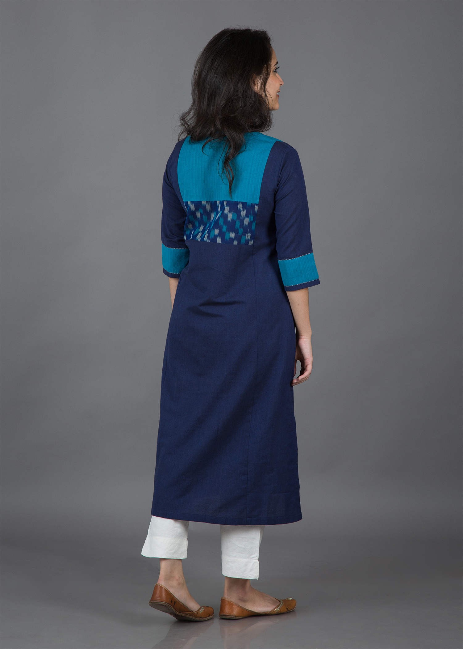 catalog/Winter 2018/blue kurta 3.jpg